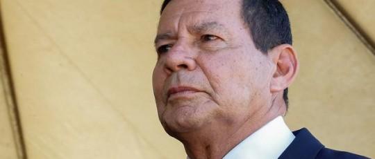 'Quem ameaça parlamentar está cometendo um crime contra a democracia', diz Mourão