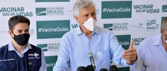 Caiado celebra autorização da Anvisa a Goiás para importação de 142 mil vacinas Sputnik V,