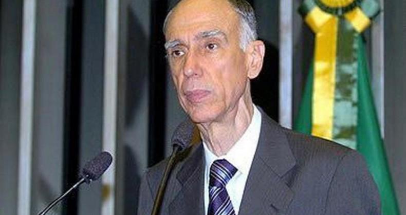 Governador Ronaldo Caiado manifesta pesar pela morte do ex-vice-presidente da República, M