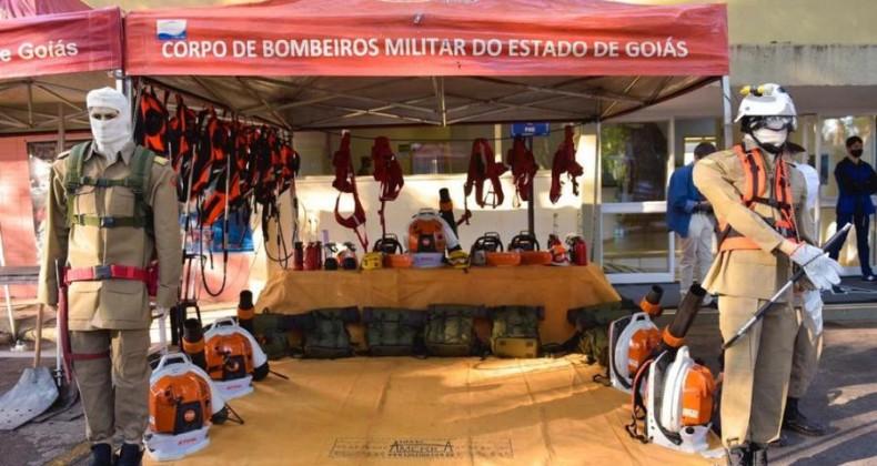 Na abertura da Semana da Agricultura Familiar, Caiado entrega caminhões a 17 municípios, c