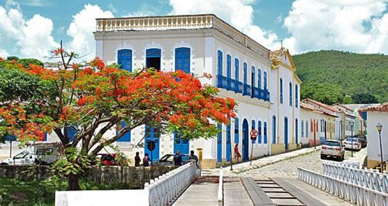 Na cidade de Goiás, Caiado faz vistorias e participa de evento da Educação sobre volta às
